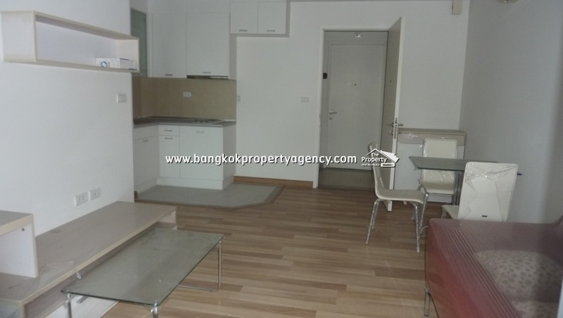 Centric Scene Sukhumvit 64: 1 bed corner room 42 sqm fully furnished