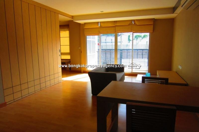 Tree Condo Sukhumvit 52: Large 1 bed 59 sqm corner unit, well decorated