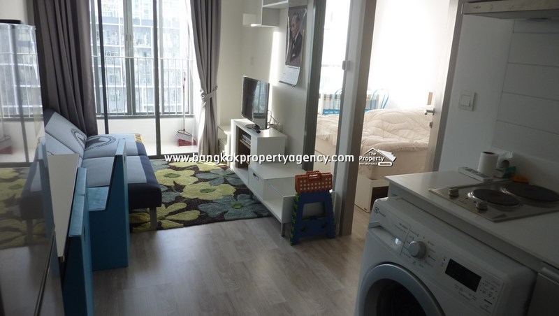 Ideo Mobi Sukhumvit 81: 1 bed unit, well decorated on high floor/ close to BTS