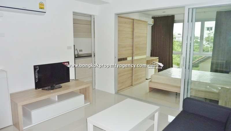 Sukhumvit Serviced Appt: 1 bed 35 sqm condo close to BTS