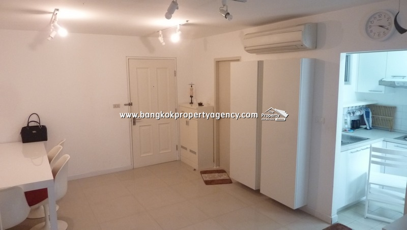 Condo One Thonglor: Large 1 bed condo, well decorated/furnished