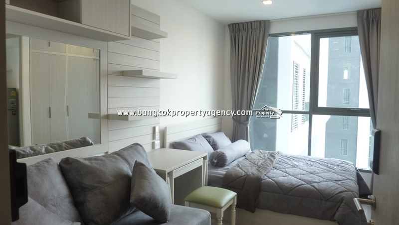 Ideo Mobi Sukhumvit 81: Studio on high floor, well decorated/close to BTS
