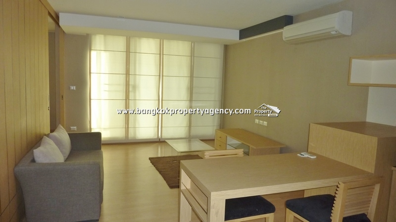 Tree Condo Sukhumvit 52: Large 1 bed well decorated condo with big balcony
