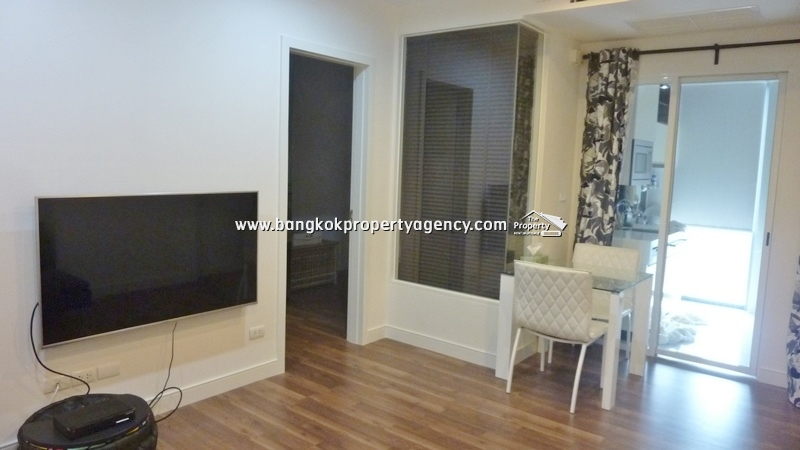 The Room Sukhumvit 62: 1 bed 45 sqm well decorated unit next to BTS