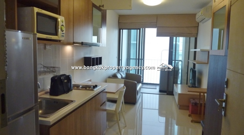 Ideo Mix Sukhumvit 103: 1 bed 36 sqm well decorated corner unit close to BTS