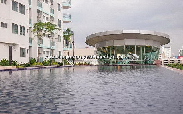 Supalai Park Asoke-Ratchada: 1 bed 49 sqm fully furnished/pool view