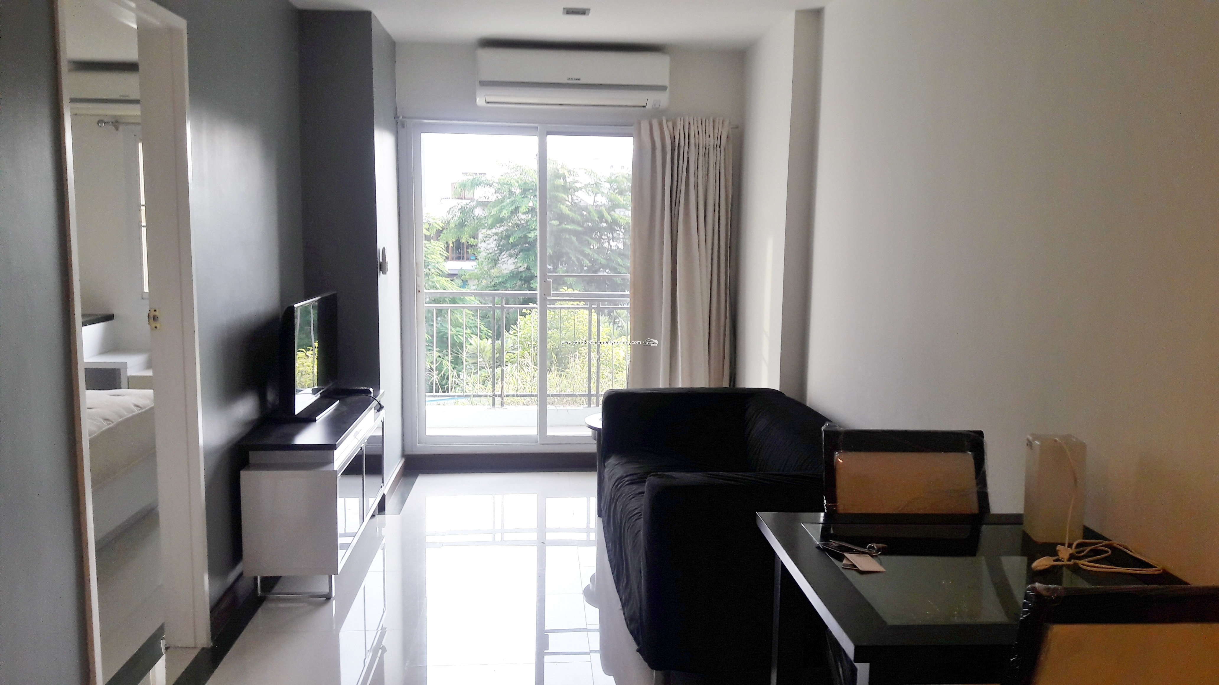 The Next Sukhumvit 52: 1 bed 45 sqm fully furnished/unblocked view