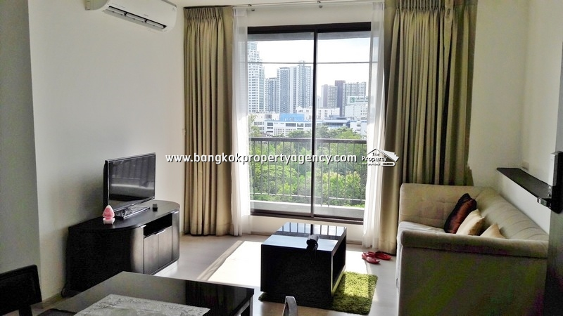 Rhythm Sukhumvit 44/1: 2 bed good price with garden view next to BTS