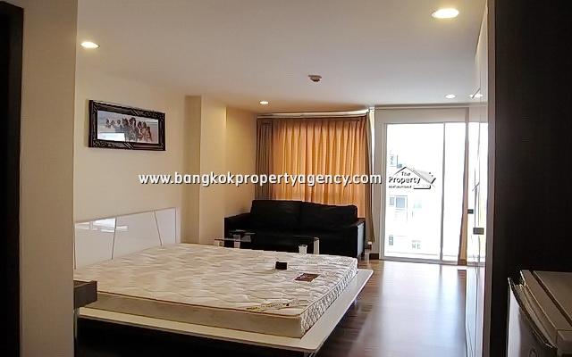 PG Rama 9: 30 sqm fully furnished studio room, high floor/close to MRT