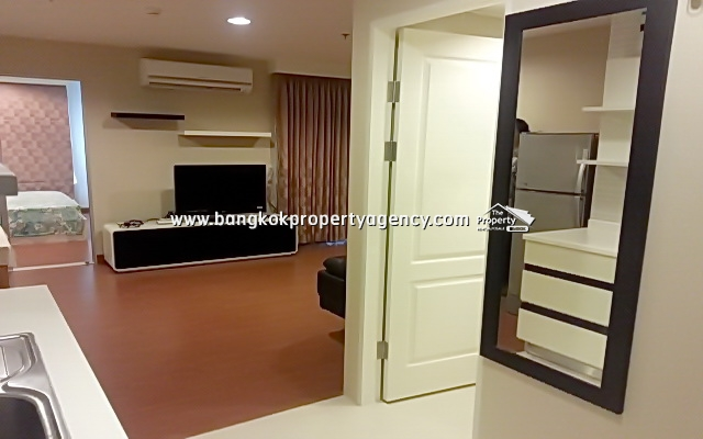 Belle Grand Rama 9: 1 bed 47 sqm fully furnished unit with city view