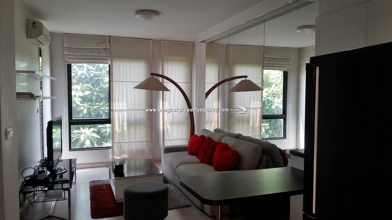 Sense Condo Sukhumvit 68: 1 bed 42 sqm well decorated close to BTS