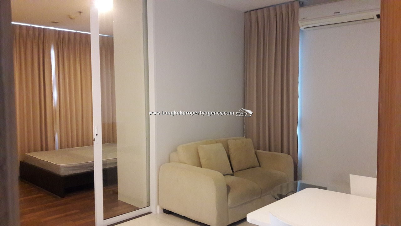 The Bloom Sukhumvit 71: 1 bed 34 sqm unit on high floor close to BTS