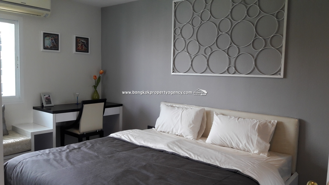 The Next Sukhumvit 52: Brand new large 1 bed 51 sqm, partially furnished