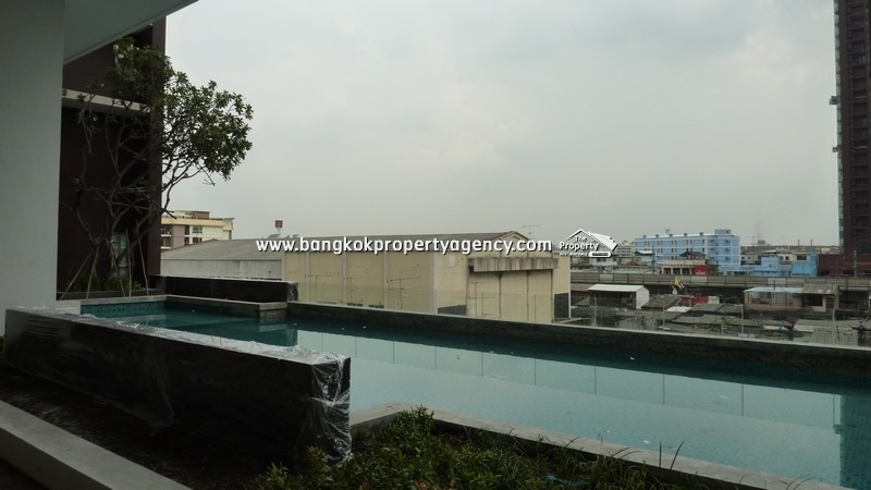 The Bloom Sukhumvit 71: 1 bed 35 sqm unit on high floor close to BTS