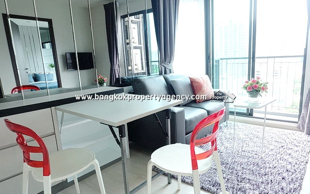 Rhythm Asoke: Brand new 2 bed 42 sqm furnished corner unit with city view