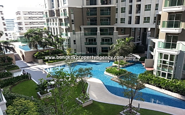 Belle Grand Rama 9: 3 bed 98 sqm fully furnished unit with pool view