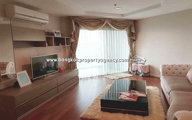 Belle Grand Rama 9: 2 bed 82 sqm fully furnished unit with pool view