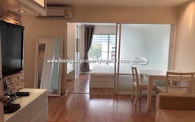 Lumpini Place Rama 9: 1 bed 38 sqm fully furnished/nicely decorated