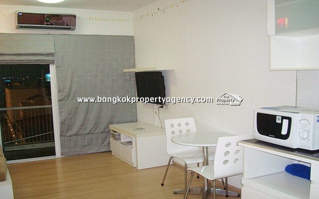 A Space Asoke-Ratchada: 1 bed 35 sqm fully furnished on high floor