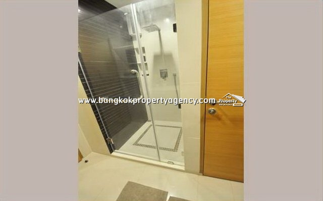 Rhythm Huai Khwang: 1 bed 46 sqm well decorated unit on high floor