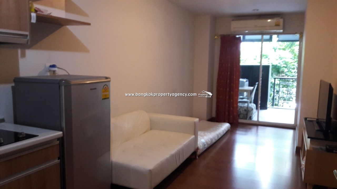 The Next Sukhumvit 52: Large 1 bed 50 sqm fully furnished close to BTS