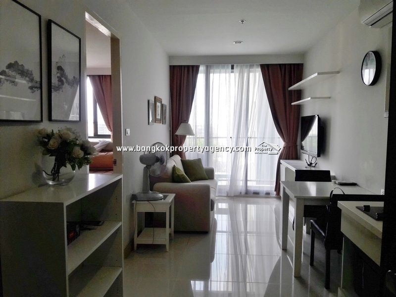 The President Sukhumvit 81:  1 bed 35 sqm well decorated corner unit