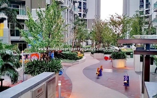 Belle Grand Rama 9: 2 bed 100 sqm well furnished on high floor with city view