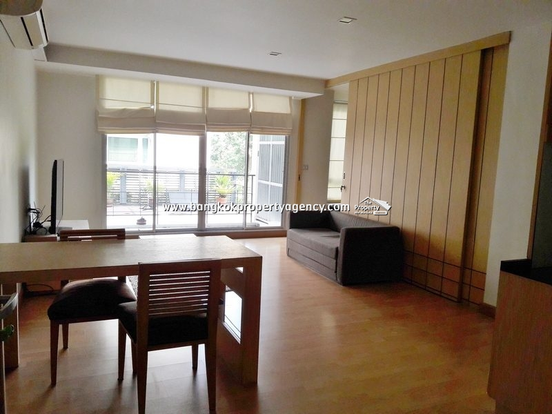 Tree Condo Sukhumvit 52: Large 1 bed 58 sqm, pool view/close to BTS