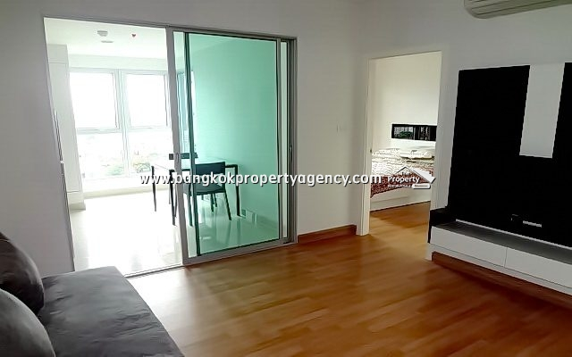 Centric Ratchada Sutthisan: Large 1 bed 41 sqm furnished/pool view