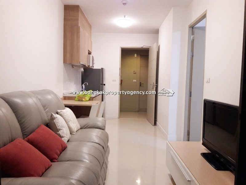 Ideo Mix Sukhumvit 103: 1 bed 35 sqm corner unit close to BTS