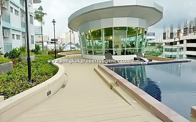 Supalai Park Asoke-Ratchada: 34 sqm fully furnished with pool view