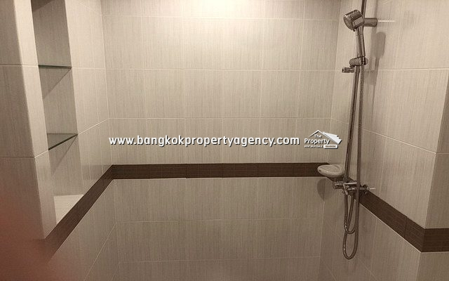 Casa Condo Asoke-Din Daeng: 26 sqm studio room with pool view