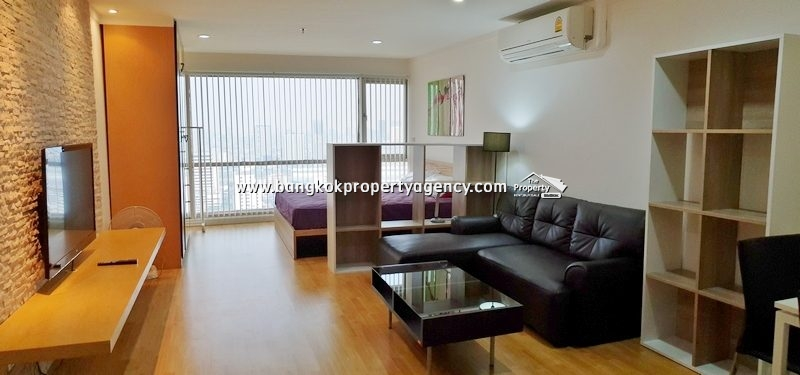 Sukhumvit Suite, Sukhumvit 13: Large Studio room on high floor close to BTS