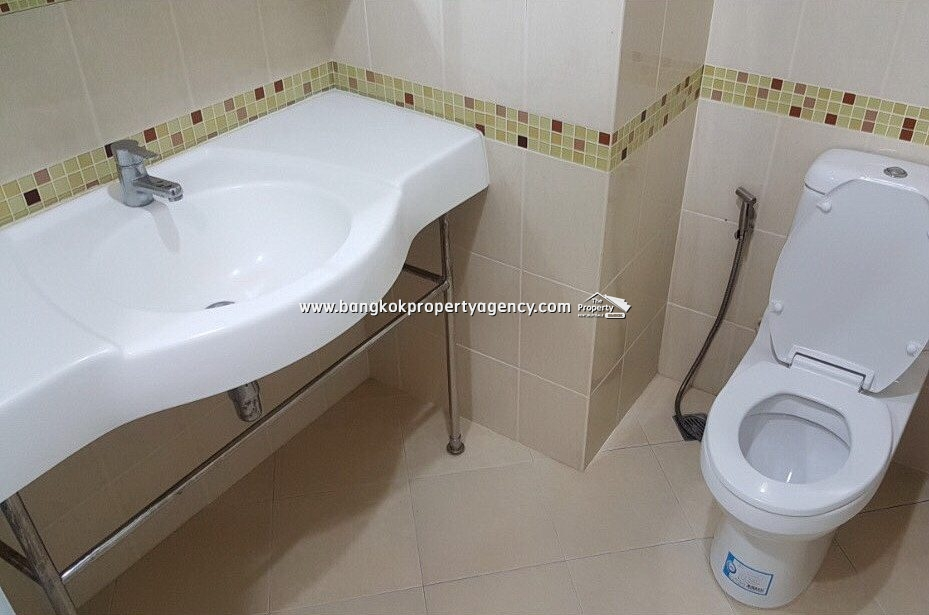 Life@Ratchada: 1 bed 41 sqm fully furnished unit close to MRT