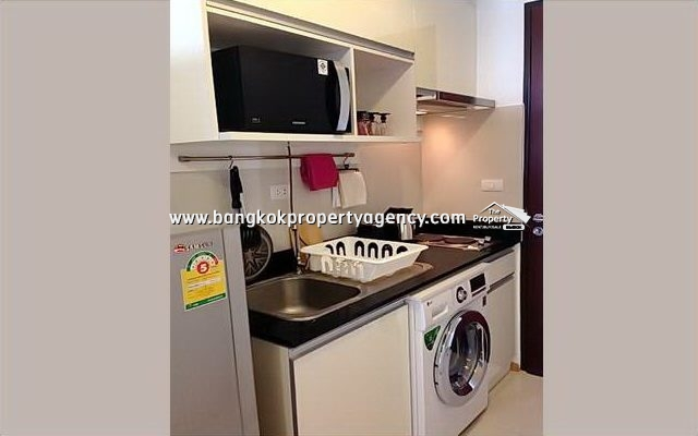 Abstracts Phahonyothin Park: 2 bed 58 sqm furnished unit/high floor