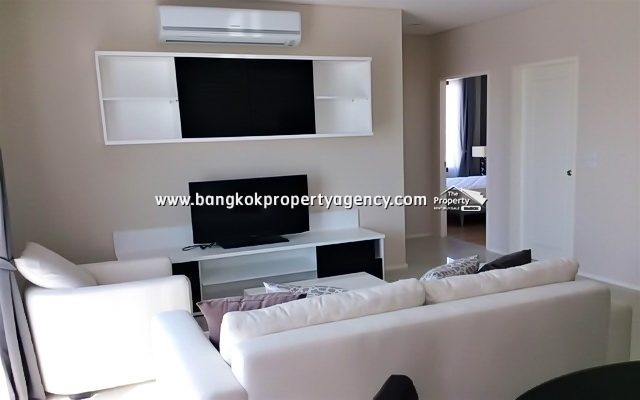 Villa Asoke:  2 bed 80 sqm fully furnished unit with pool view