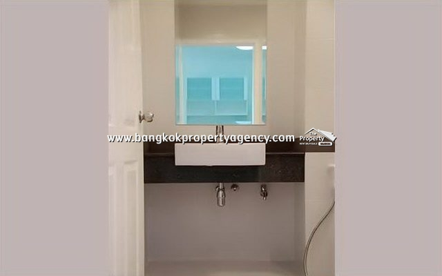 A Space Asoke-Ratchada: 1 bed 35 sqm refurbished unit with pool view