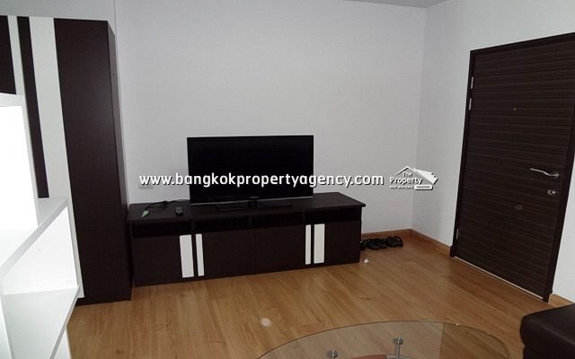 Supalai Park Asoke-Ratchada: 34 sqm fully furnished unit, city view